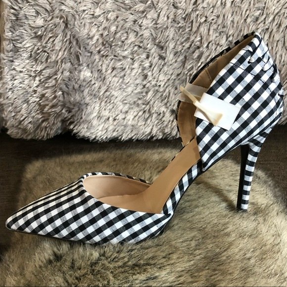 Qupid Shoes - Qupid black and white checkered heel size 7